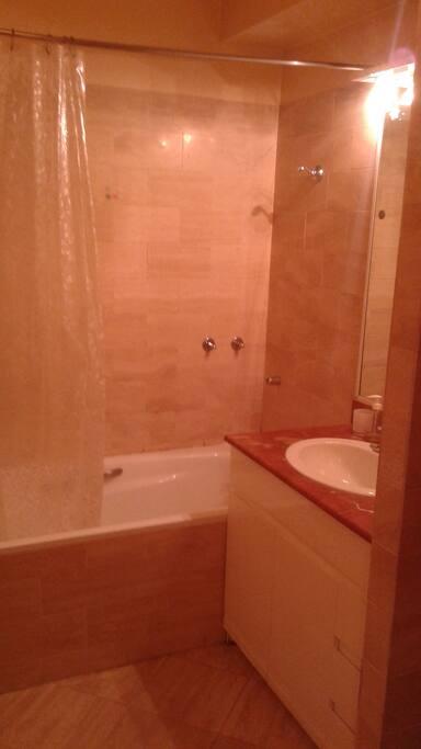 salle de bain/wc spacieuse...