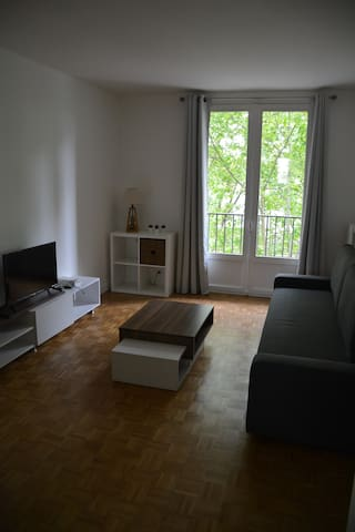Studio tout équipé avec balcon aux portes de Paris