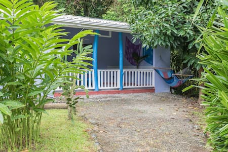 Charming Studio next to BEACH and YOGA classes.... - Puerto Viejo de Talamanca - House