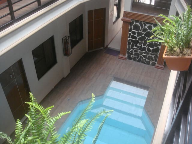 Janus Deluxe [IndoorPool*Kitchen*WalkingSt] Suite