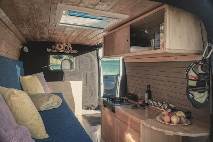 Cozy campervan with Home cinema in Sandefjord