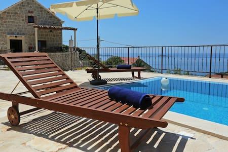 Beautiful Villa Stone in Mlini, Dubrovnik - ムリーニ