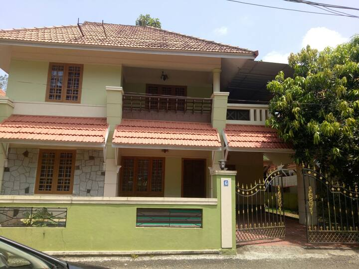 Kottayam, kanjikuzhy, kalathipadi 4 bhk ac villa