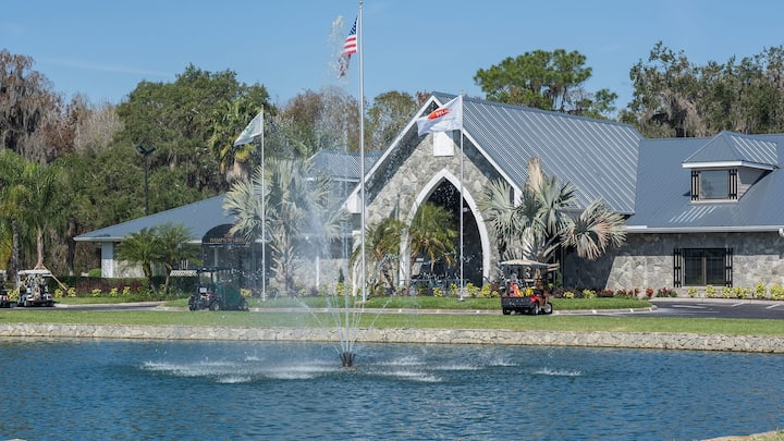Auburndale king room in Golf Course resort park.