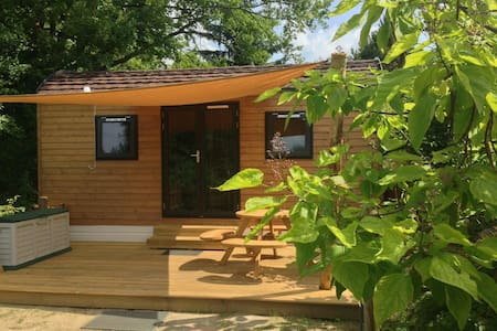 Woodlodge, 4 slaapplaatsen, keukenhoek en sanitair - Schin op Geul - Lomamökki