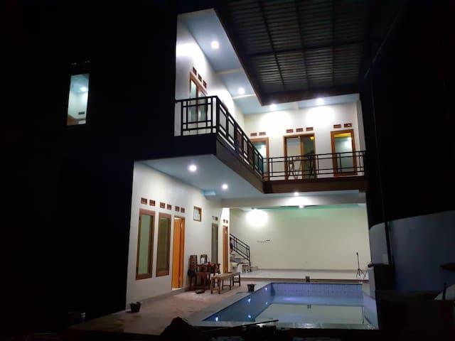 Villa Modern Cisarua Puncak Private pool Nice view