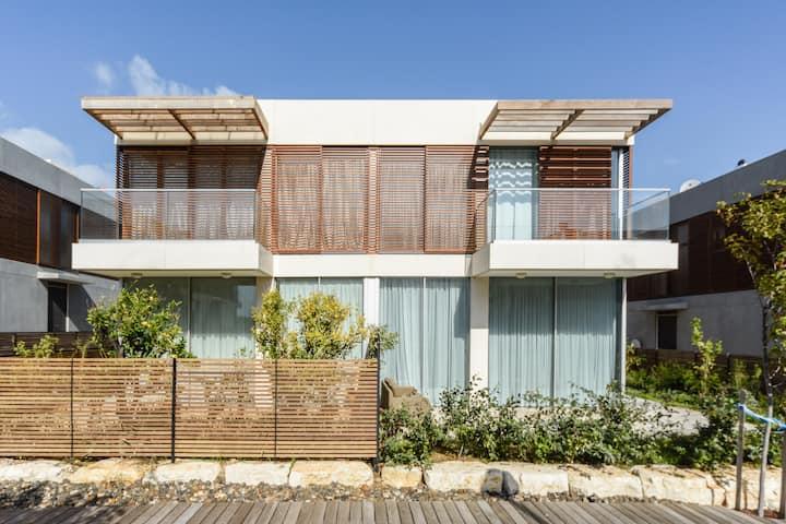 Luxury duplex  Suitable for families & couples