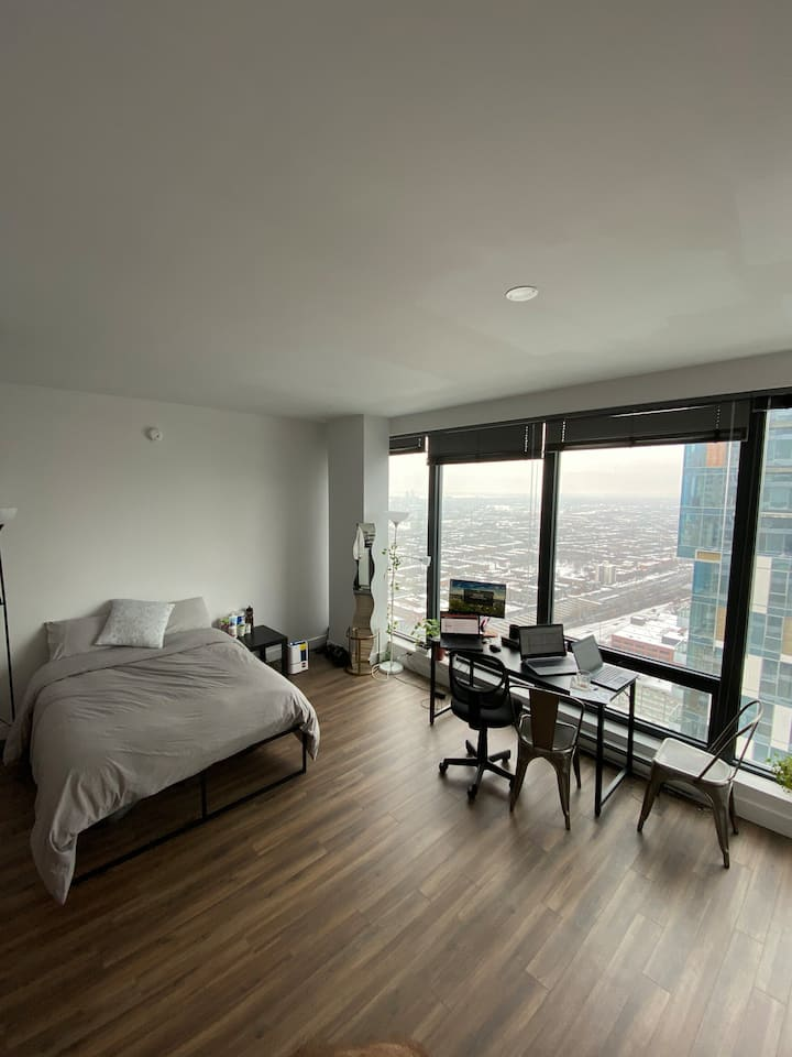 Bright Studio Condo Downtown