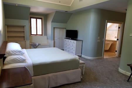 The Villa At Great Oak Manor - Chestertown