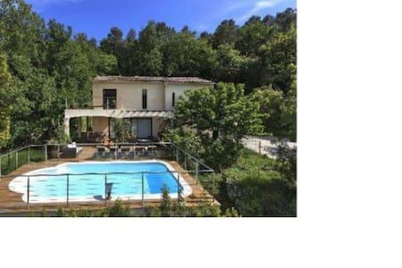 maison moderne avec piscine - Opio - Haus
