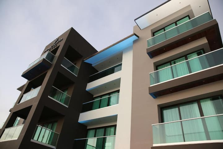 El Hotel más Moderno, Bonito y Limpio de la Ciudad
