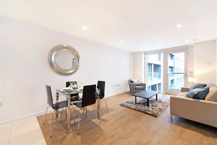 Great Two Bed Apartment in Amazing Location