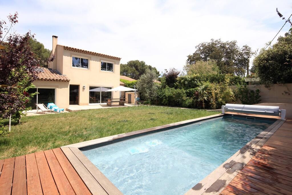 villa moderne avec piscine maisons louer ventabren