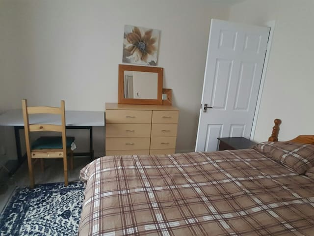 COMFORTABLE AND COSY DOUBLE ROOM - Coventry, England, GB