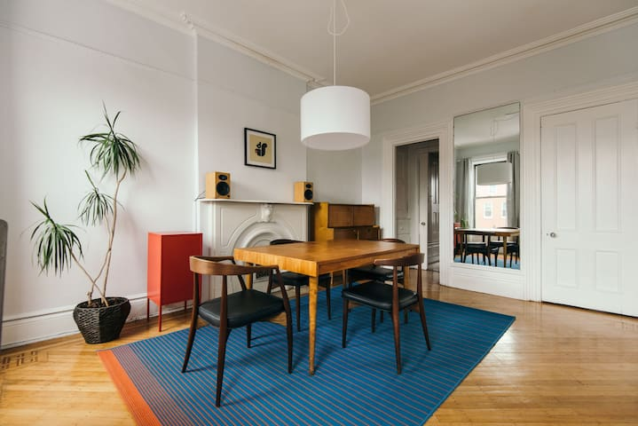 Sunny spacious top floor of brownstone