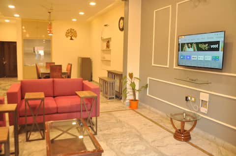 ★2BHK★ | Luxury Independent Floor | Posh Location