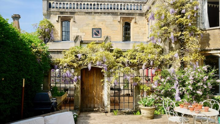 Stunning Spacious 6 Bed Period Home Sleeps 4-14