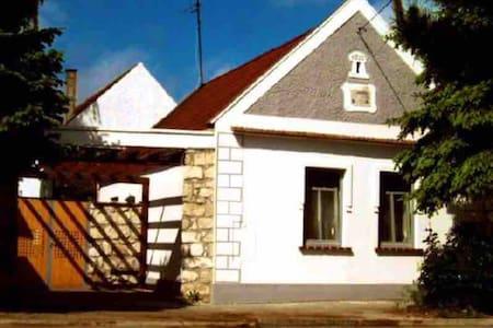 """Gästehaus """"Veguerilla"""" - Mensch, Tier & Natur"""