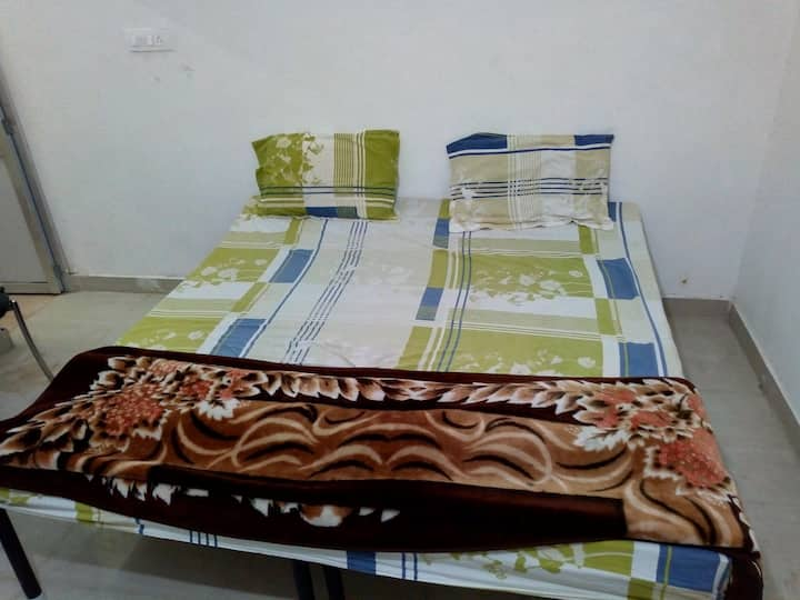 Private rooms rupnagar city