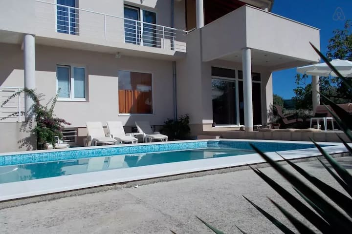 room G in villa with swim.pool BED & BREAKFAST - Vela Luka - Villa