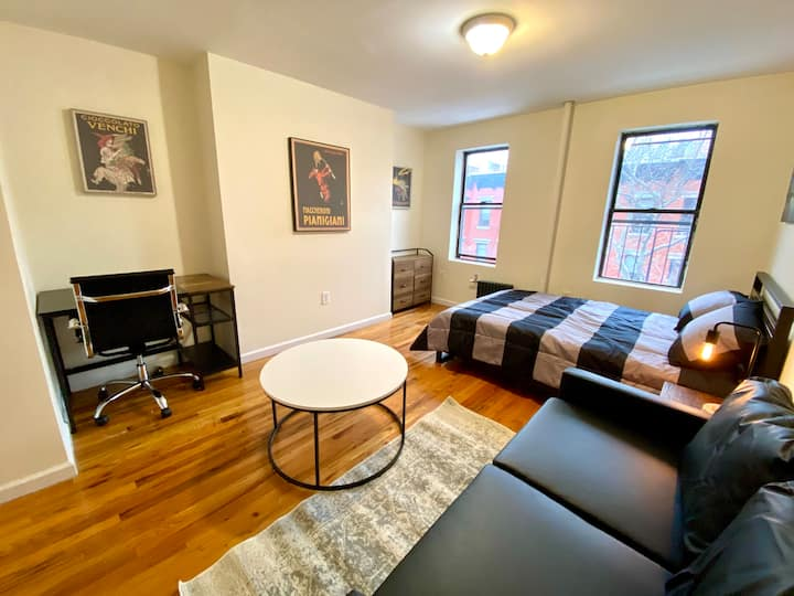 Charming Studio in the heart of the East Village