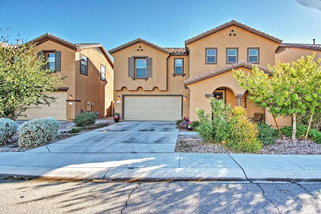 Enjoy your stay at this gorgeous Phoenix vacation rental house