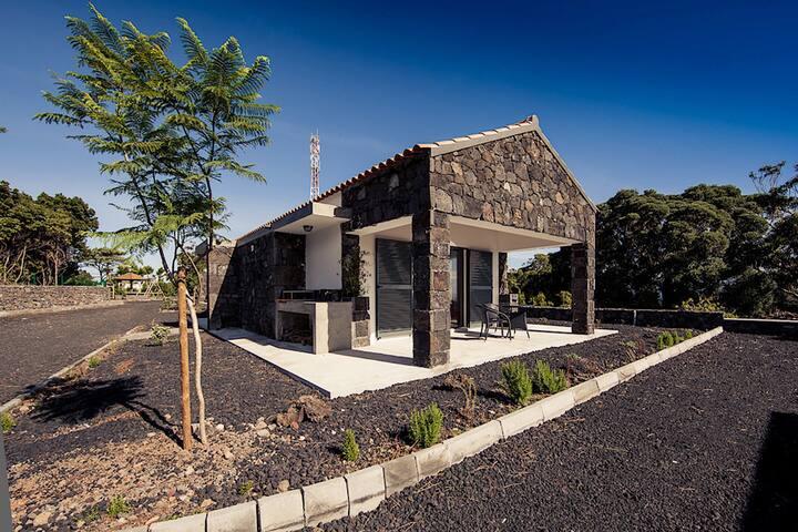Rubia White Villa, Pico, Azores !New!