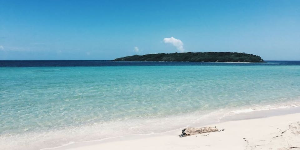 Just another amazing Vieques beach.