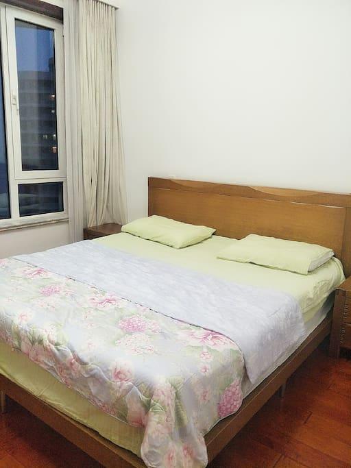 主卧 舒适的床品 宽广的视野给你带来不一样的旅行体验