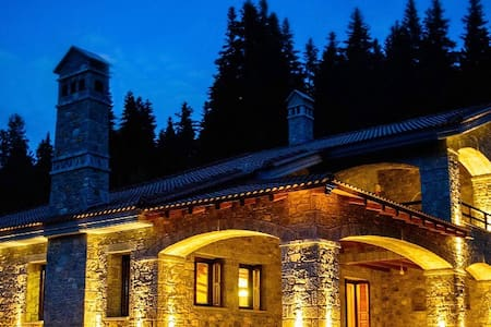 Chalet Myrtis in the heart of the Peloponnese - Almhütte