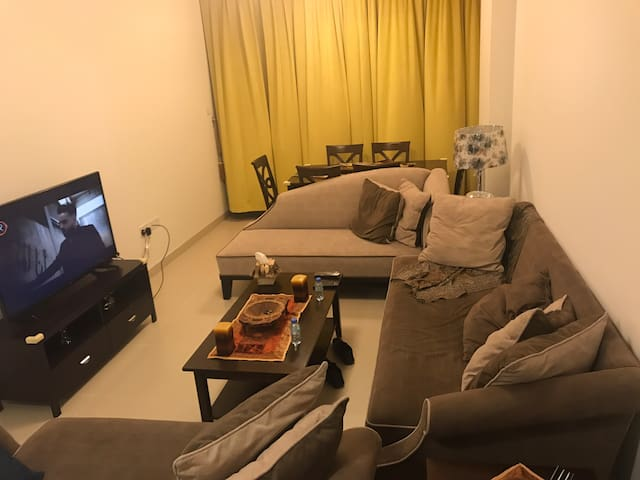 Nice apartment of one bedroom in the heart of muscat at muscat hills area apposite to the airport and easy access to all the roads