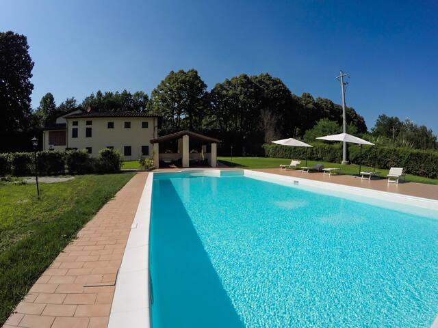 FAUNA, app. in Casale La Fata, colline di Lucca
