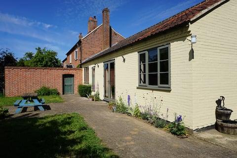 Keepers Cottage, i 36 hektar Norfolk natur.