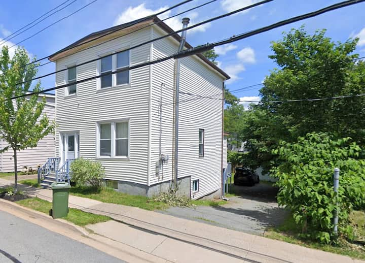 Downtown Dartmouth, Apartment for Two