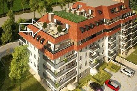 Nieuwe penthouse met groot terras .