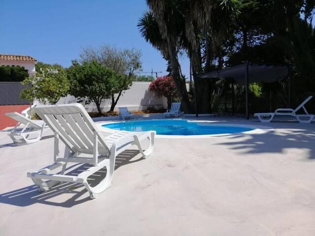 Estudio Estándar | Villa Selin