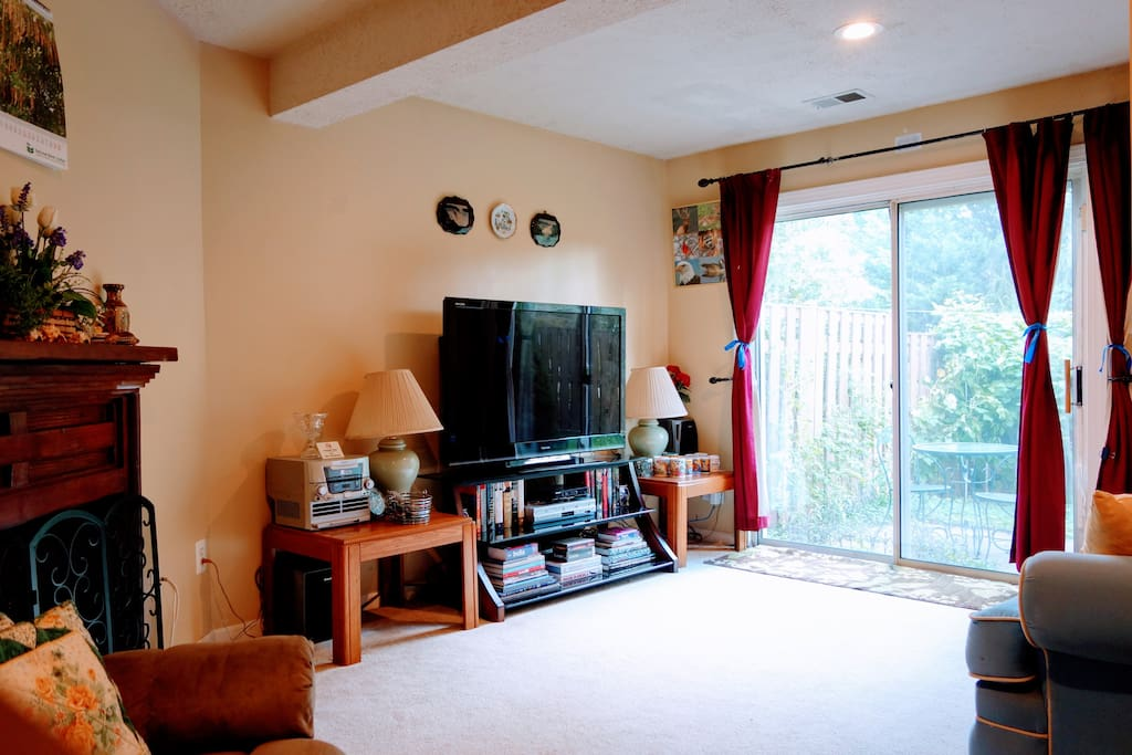 "Walk-Out Basement with Private Entrance, garden outside, 55"" LCD TV equipped with Blu-Ray Player and Netflix"