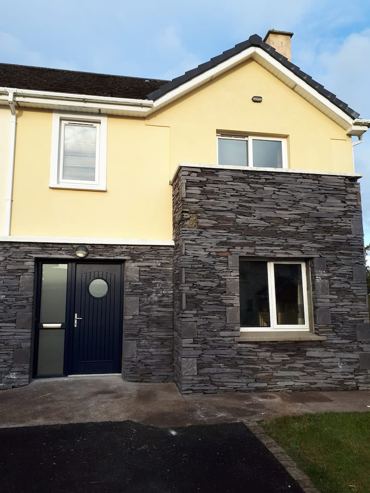 House in Knightstown, Valentia
