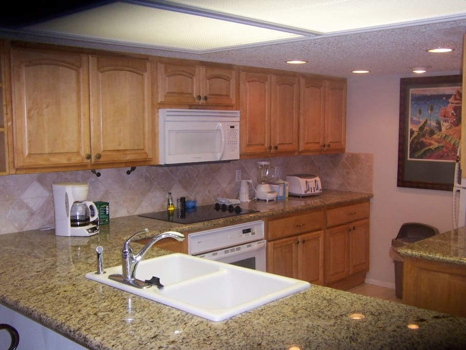 Custom built Kitchen with Grantic counter tops