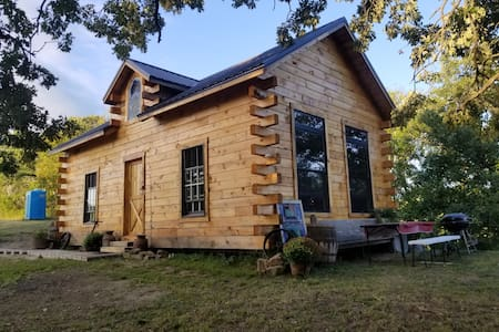 Rustic Log Cabin Retreat on SE MN Bluff