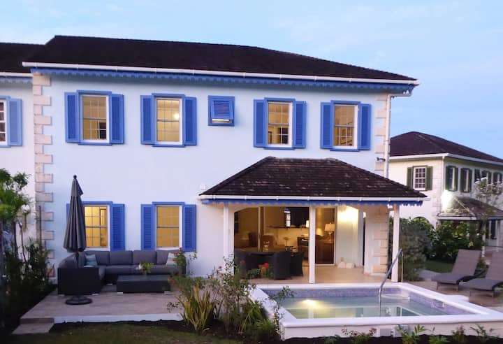 Luxury Villa with private pool near the best beach