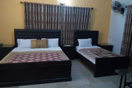 Large bedroom for 3 people, in a safe secure area
