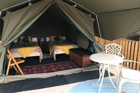 Luxury Tent 2 Camp Vogelsang Omaruru