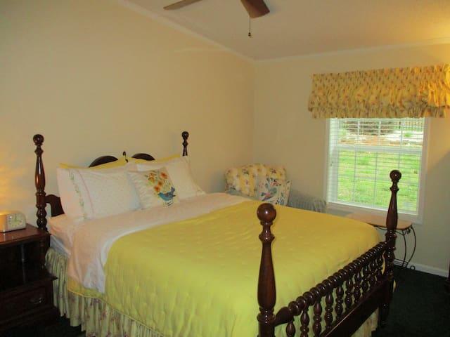 Guest room 2, so comfy! Queen size bed.