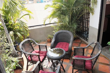 French Renovated Flat, Central Market, King  Bed - Phnom Penh - Obsługiwany apartament