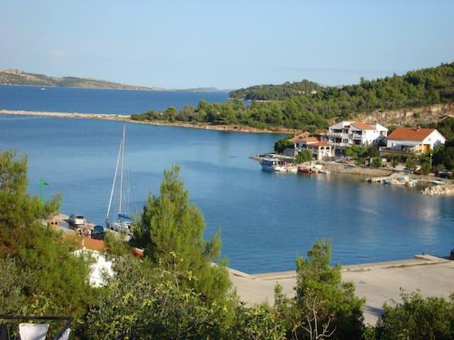 Dugi otok cosy apartment with amazing  sea view :)