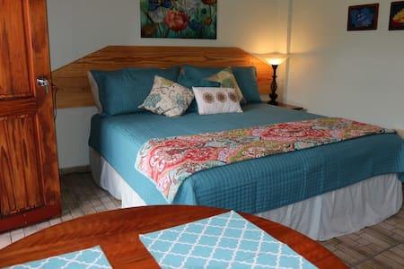 Casa Azul - Bajo Boquete