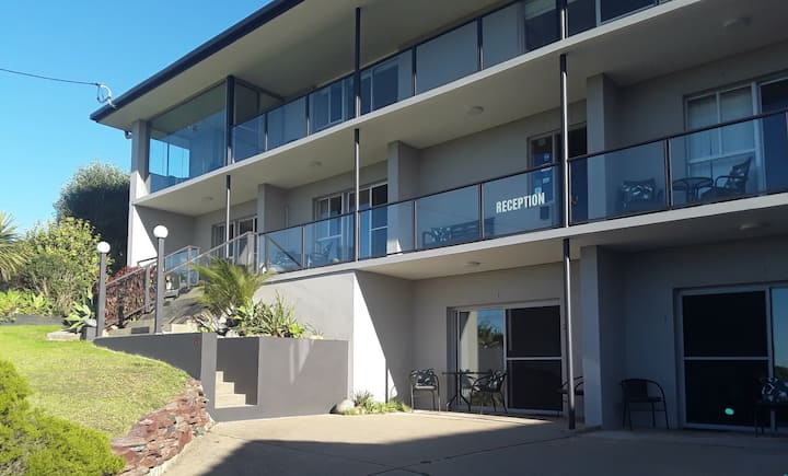 Narooma Golfers Lodge ground floor unit 2