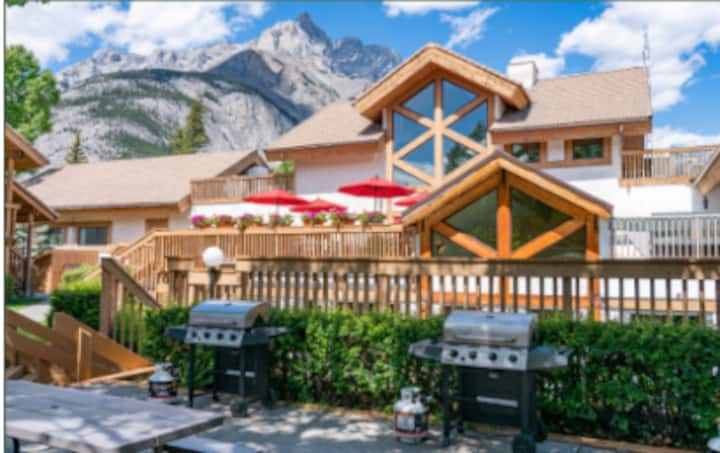 2 Bdrm Condo in the Heart of the Canadian Rockies