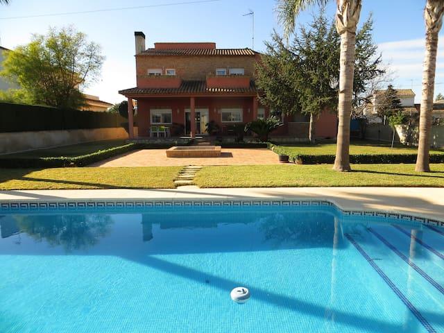 bonita villa 10min valencia+piscina - L'Eliana - Villa